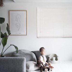 出産記念のメモリアルグッズに – 出生時等身大イラストの THE BIRTH POSTER