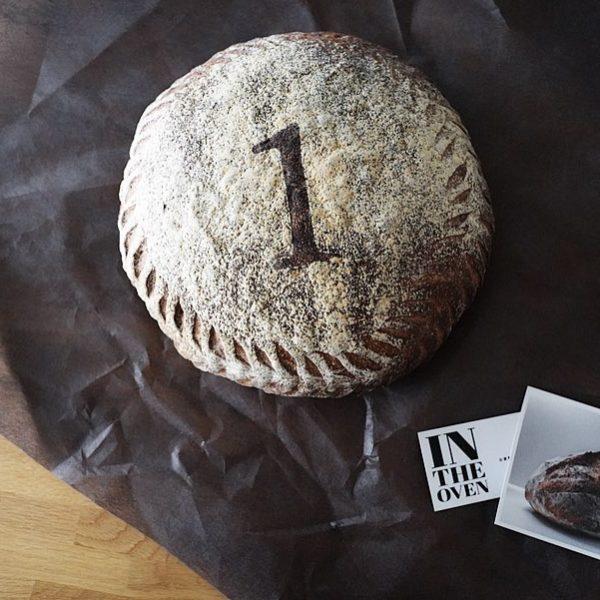 1歳の誕生日に一升パン