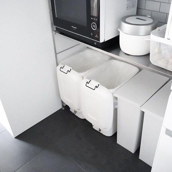 キッチンの分別ゴミ箱がシンプルになりました。