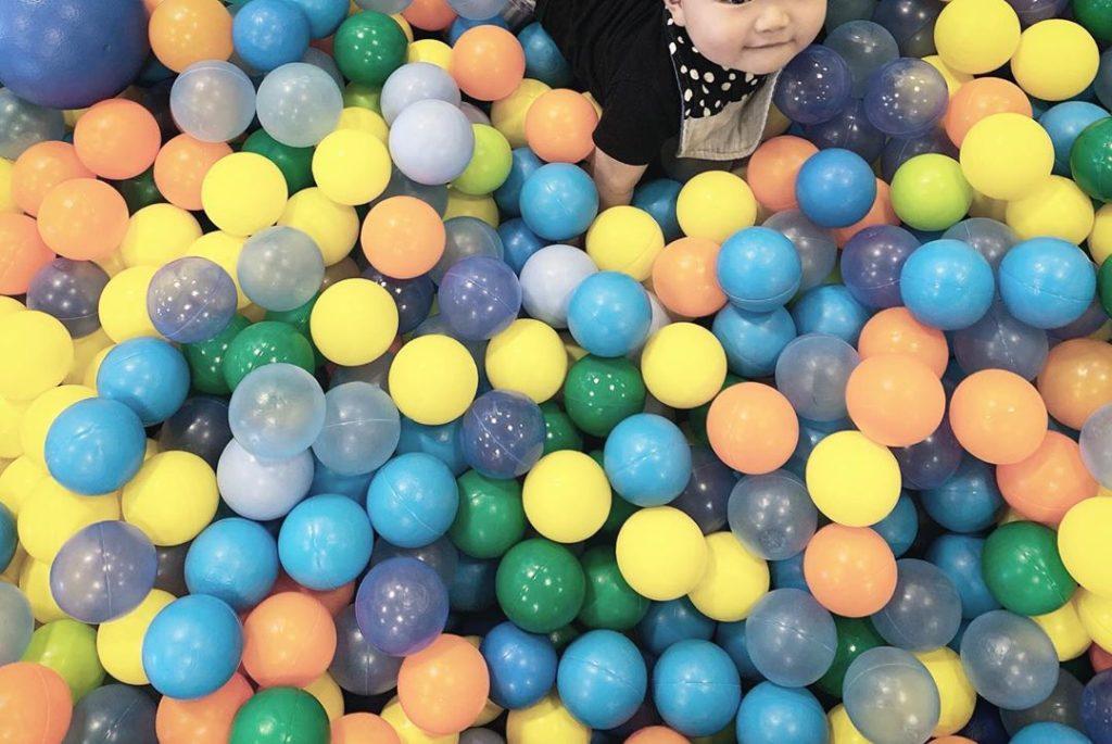 大阪グランフロントのキドキドボールプール
