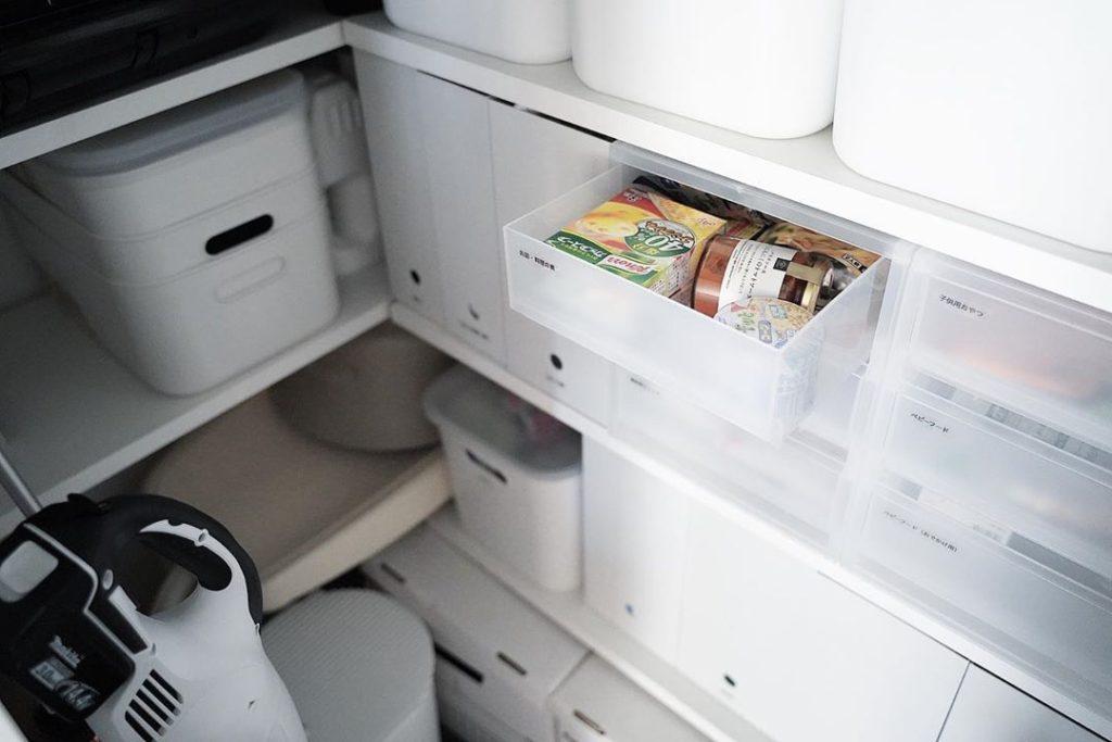 シンプルで使いやすいキッチン・パントリー収納を目指して